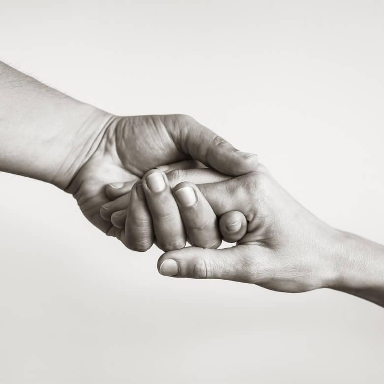 fondazione-porfiri-home-mani