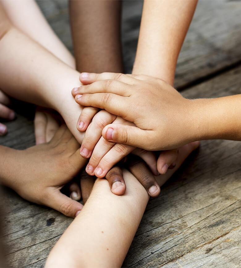 fondazione-porfiri-cosa-facciamo-mani-unite